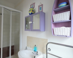 Rialto - Flamborough Studio ensuite Shower Room