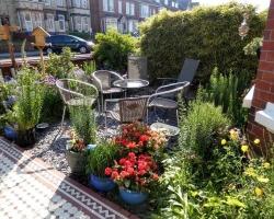 Rialto-front-garden-Bridlington